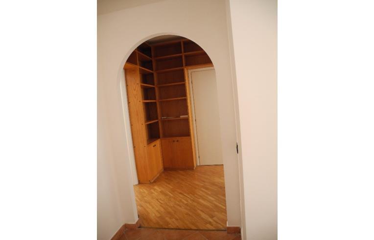 Privato affitta appartamento privato affitta appartamento for Appartamento arredato palermo