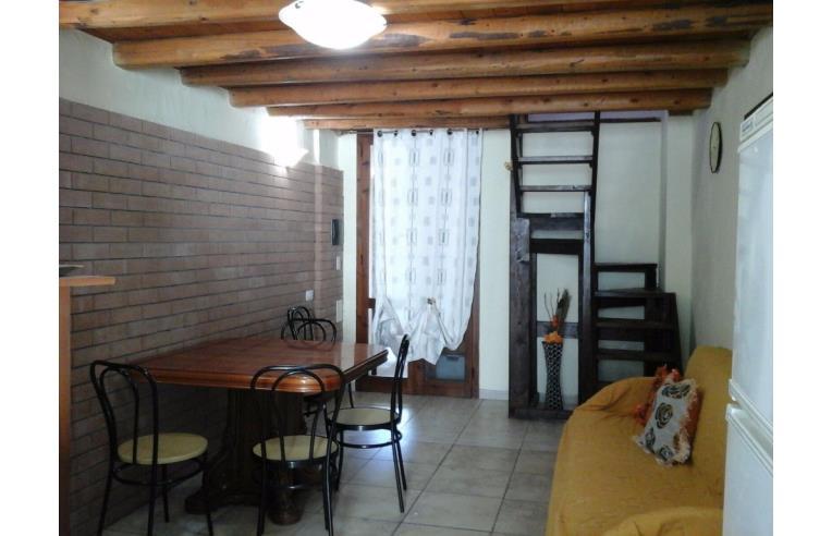 Privato vende casa indipendente casa vacanze annunci quartu sant 39 elena frazione capitana - Contratto locazione casa vacanze ...