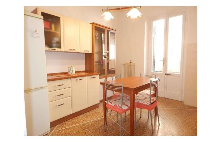 Privato affitta appartamento grandioso bilocale arredato for Affitto bilocale arredato