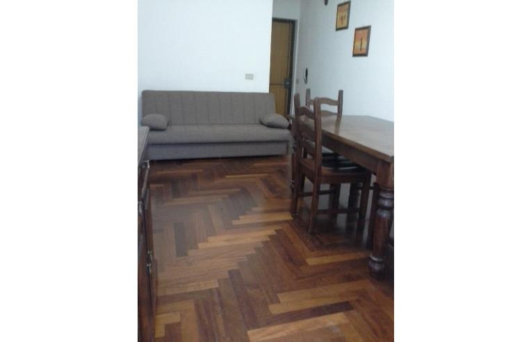 Privato affitta appartamento bivani arredato annunci for Affitto bilocale palermo arredato
