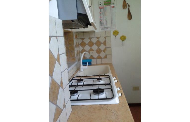 Privato affitta appartamento bivani arredato annunci for Appartamento arredato palermo