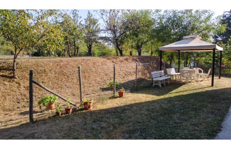 Privato vende casa indipendente casa con terreno for Piani di casa con garage indipendente e guest house