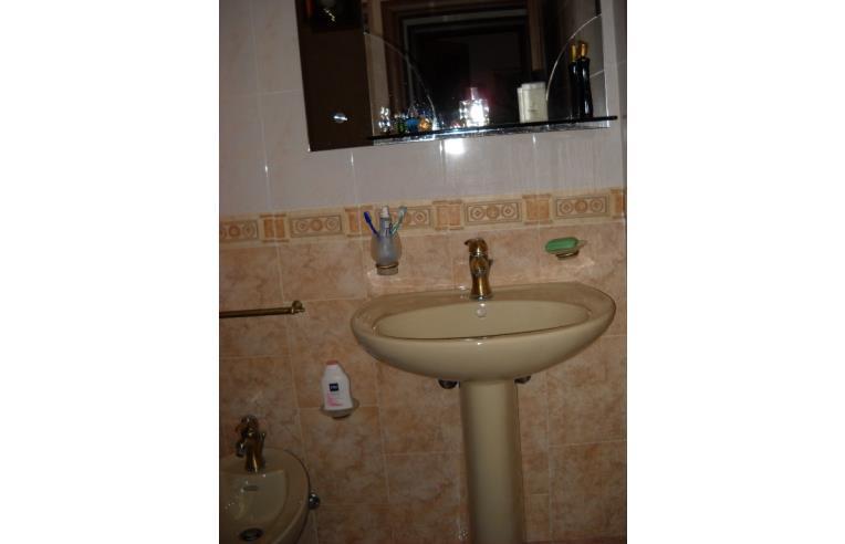 Privato vende casa indipendente palazzina indipendente for 4 piani casa 3 bagni