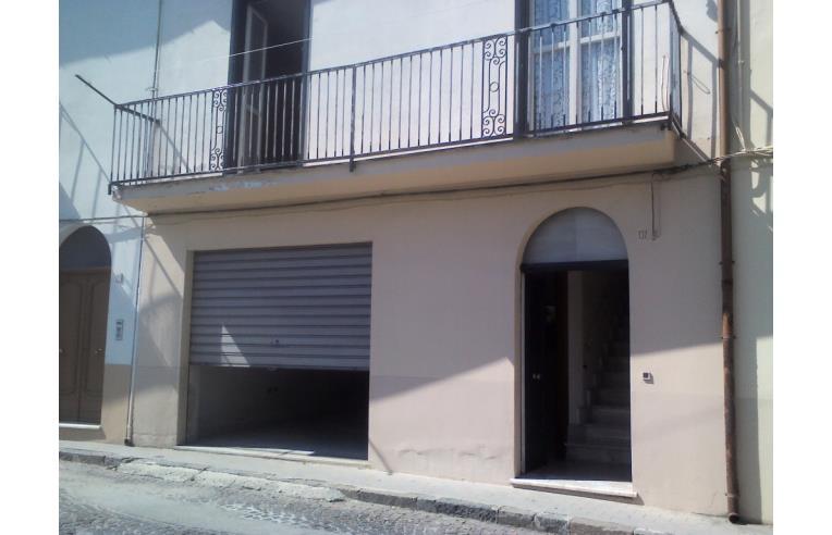 Privato vende casa indipendente casa con ampio garage for 1 piano garage con abitazione