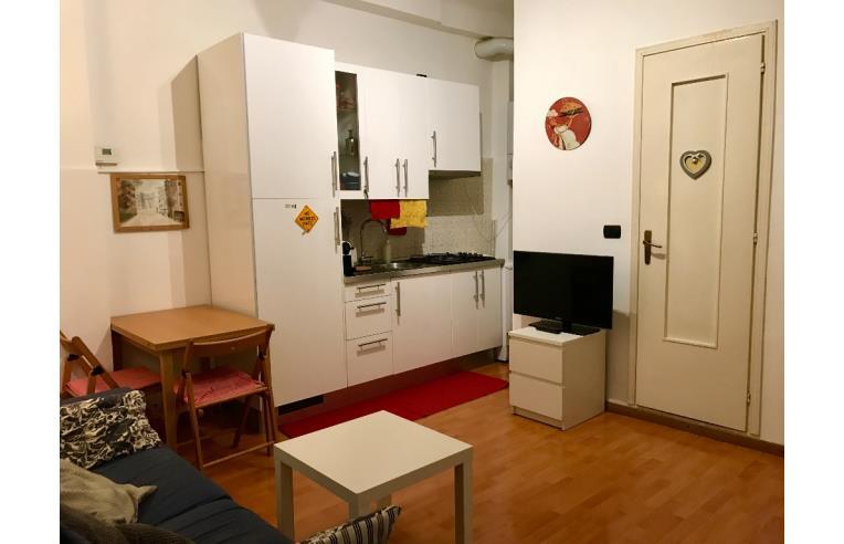 Privato affitta appartamento mm porta genova bilocale for Appartamenti arredati in affitto genova