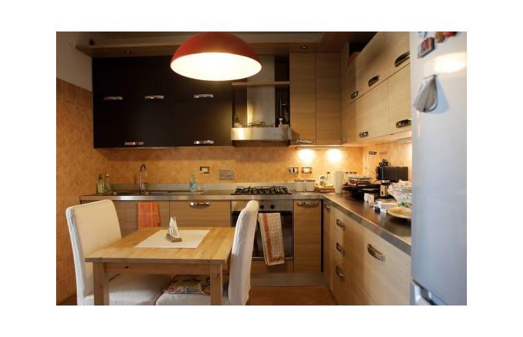 Privato vende appartamento appartamento completamente for Vendita appartamenti centro storico roma