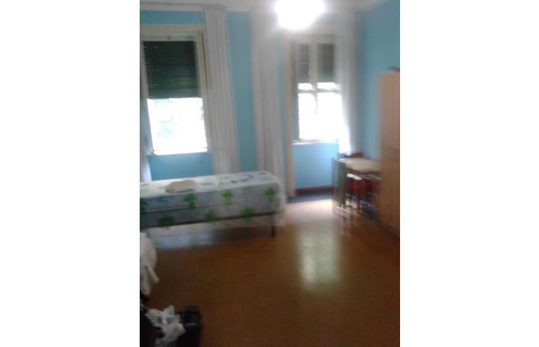 Privato affitta stanza singola stanza doppia uso singola for Stanza uso ufficio roma