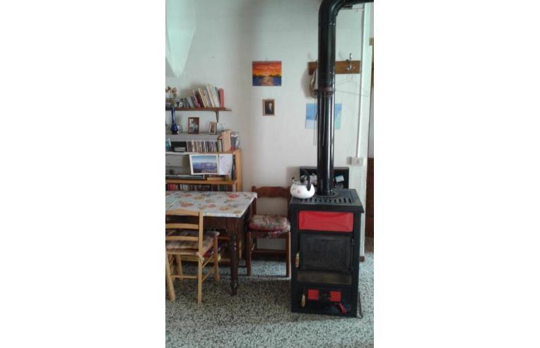 Privato vende casa indipendente casa indipendente centro for Stima sulla costruzione di una casa con 3 camere da letto