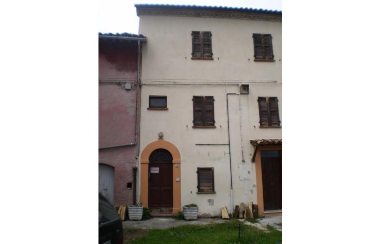 Privato vende rustico casale casa indipendente su 3 piani for Piani di cabina rustici