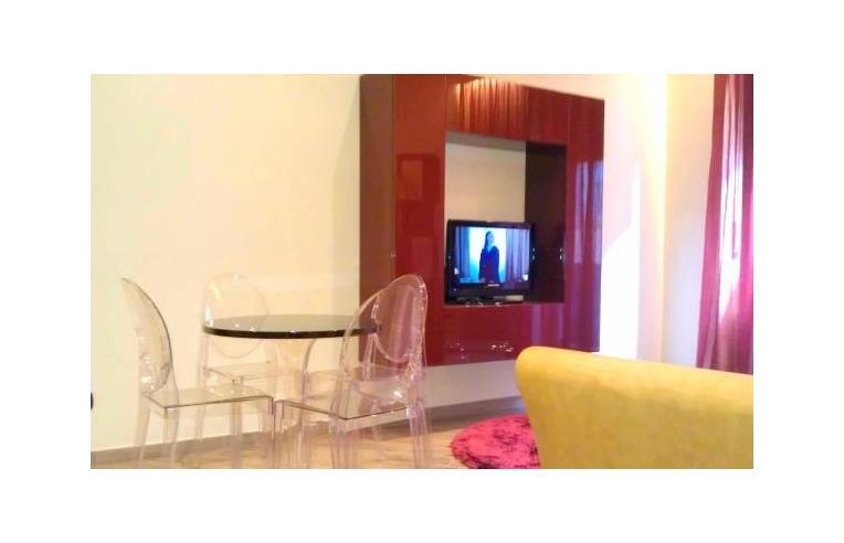 Privato affitta appartamento appartamento moderno for Affitto appartamento arredato reggio emilia