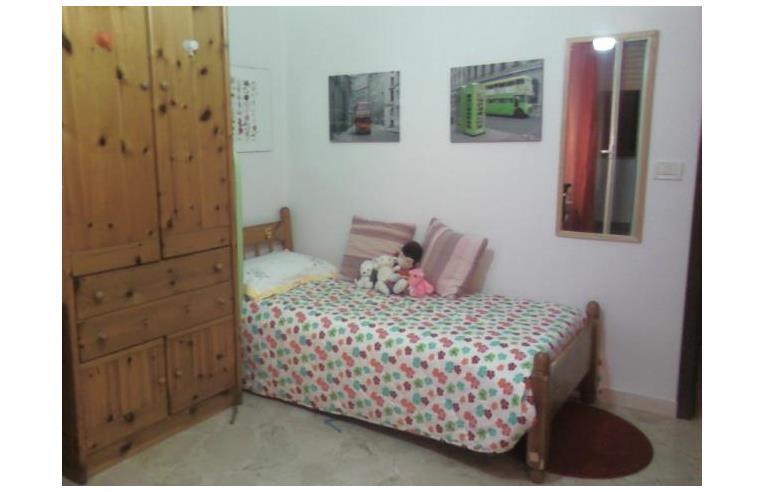 Privato vende appartamento appartamento arredato for Appartamento arredato palermo