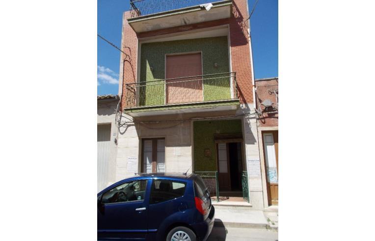 Privato vende appartamento appartamento su due piani for Piani di un appartamento di efficienza di una camera da letto