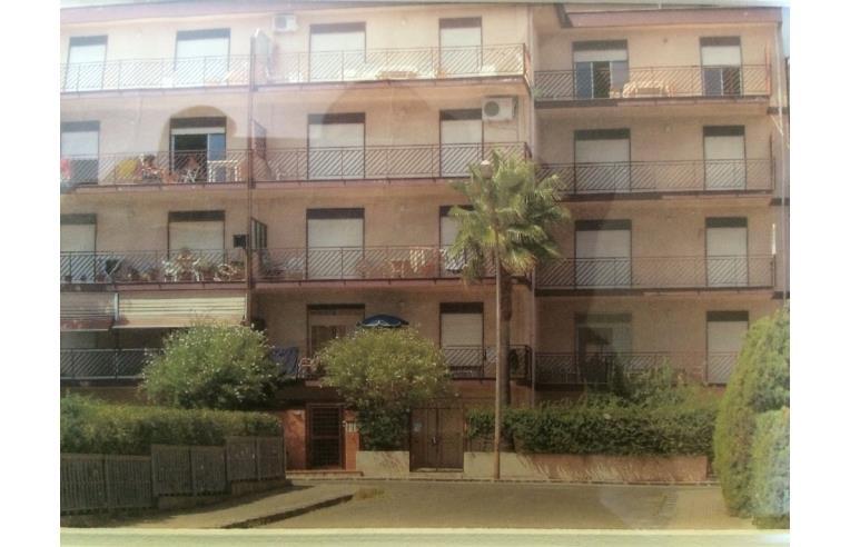 Privato affitta casa vacanze casa di 100 mq annunci for Case in affitto reggio calabria arredate