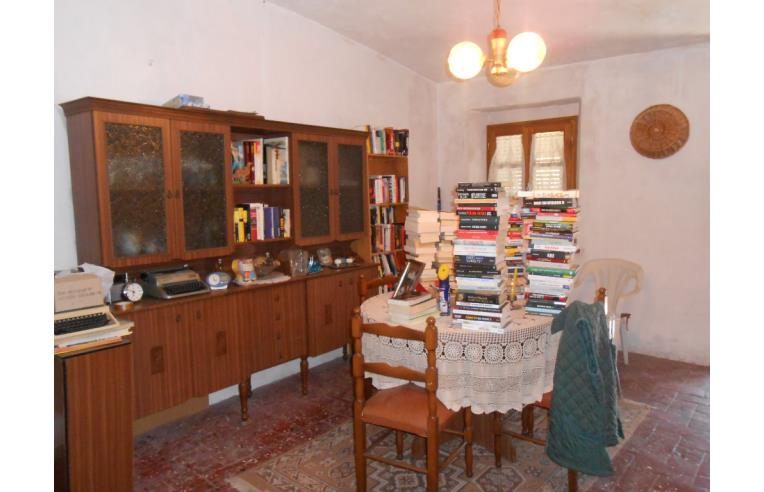 privato vende casa indipendente casa stile rustico