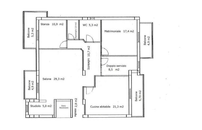 Privato vende appartamento appartamento su due piani for Appartamento a 3 piani