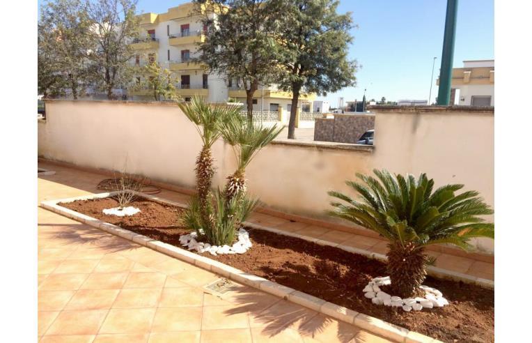 Privato vende villa villa 4 piani 500 mq con giardino e for Villa a 3 piani