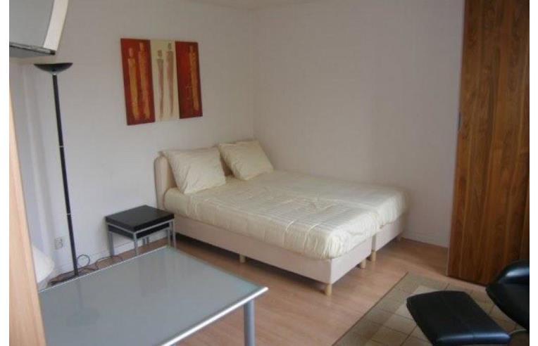 Privato affitta stanza singola camera singola in via pietro rondoni lorenteggio annunci - Singola con bagno privato milano ...