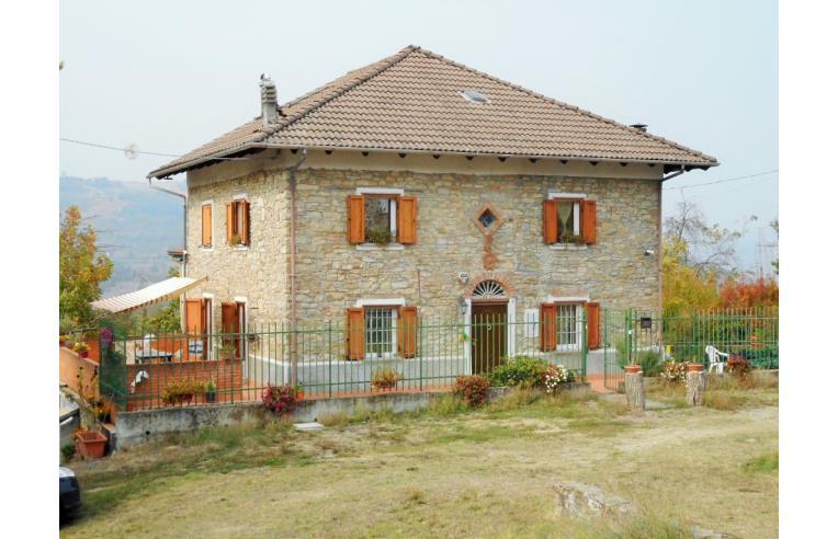 Privato vende casa indipendente casa indipendente in for Piani di casa in stile ranch con cantina