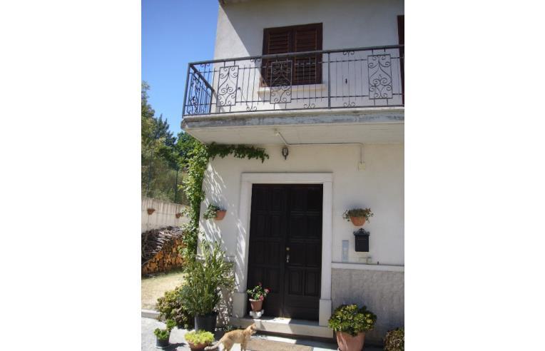 Privato vende appartamento soluz abitativa di 270 mq su for Piani di garage di cottage