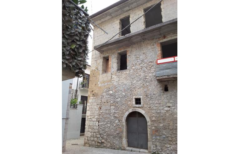 Privato vende appartamento casa centro storico annunci for Case in vendita roma centro storico privati