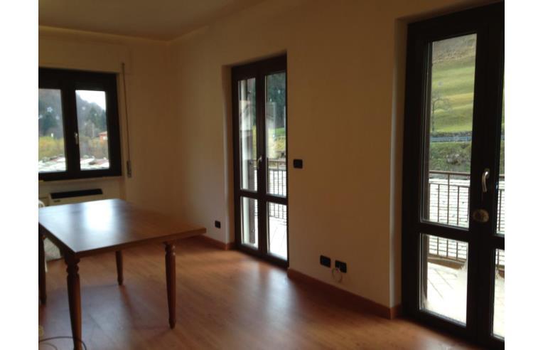 Privato vende casa indipendente palazzina indipendente for Piani di casa in stile santa fe