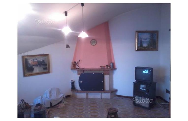 Privato vende attico attico mansardato annunci for Mobili 2000 avellino