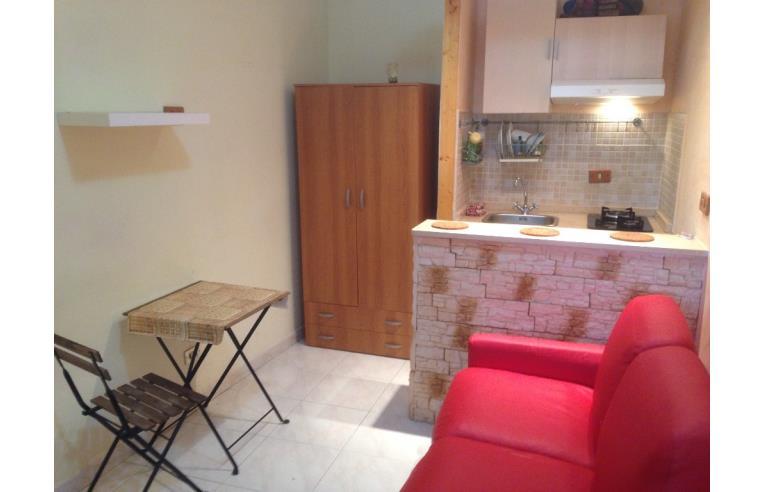 Privato vende loft open space monolocale arredato e for Monolocale arredato quarto napoli