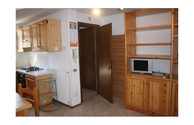 Privato vende appartamento bilocale arredato abitabile for Subito it trento arredamento