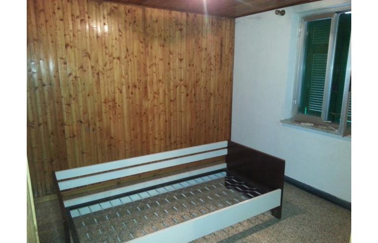 Privato vende rustico casale occasione annunci for 3 piani casa con bagno privato