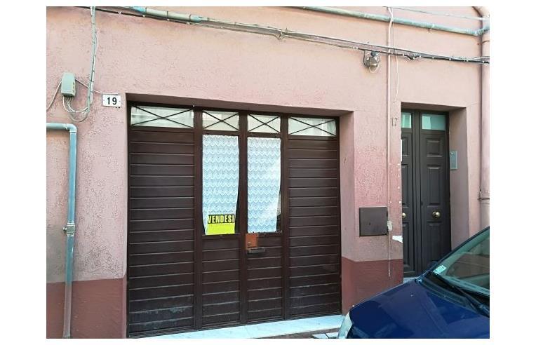 Privato vende casa indipendente casa ammobiliata a piazza - Casa ammobiliata ...