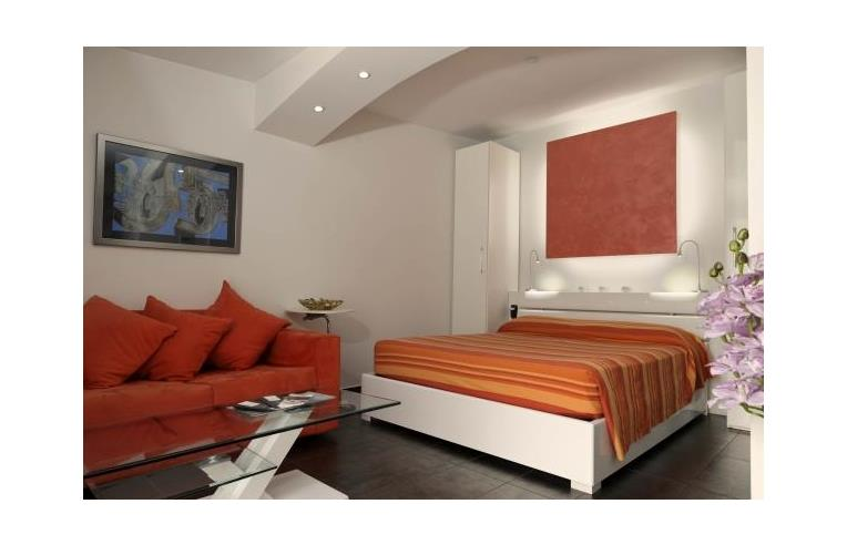 Privato affitta appartamento mini appartamenti di classe for Mini appartamenti arredati