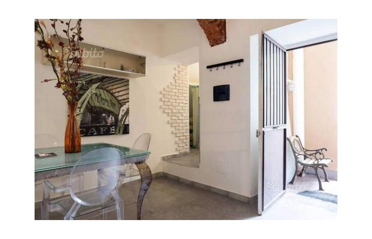 Privato vende casa indipendente loft ben arredato e for Bivani arredato catania