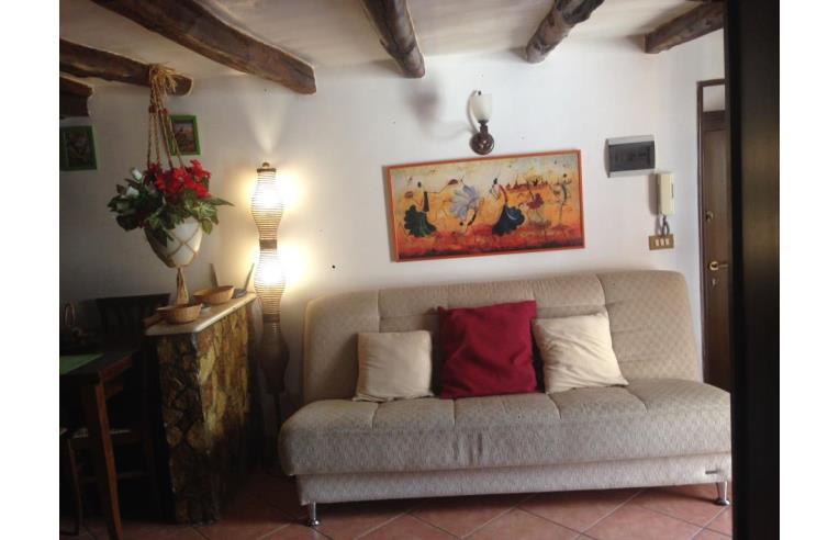 Privato affitta appartamento in palazzo d 39 epoca annunci for Appartamento arredato palermo