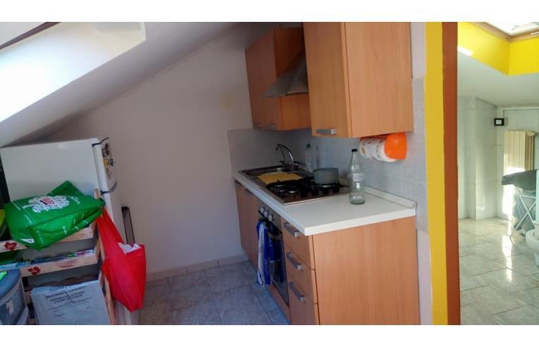 Privato affitta appartamento affitto monolocale mansardato ristrutturato e arredato annunci - Mobile bar da appartamento ...