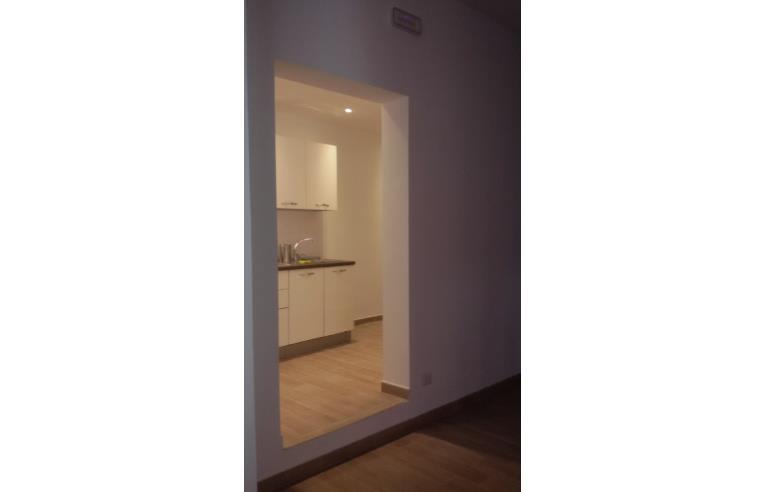 Privato affitta appartamento via barilai annunci for Monovano arredato catania