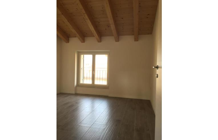 Foto 5 - Appartamento in Vendita da Privato - Pastrengo, Frazione Piovezzano