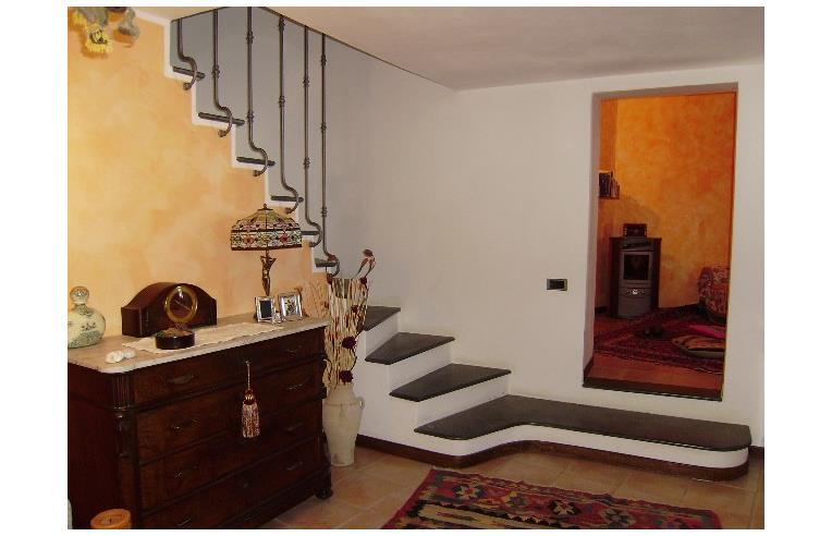 Privato vende porzione di casa semindipendente in borgo for Piani casa in stile artigiano 2 camere da letto