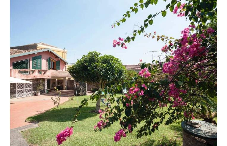 Privato affitta villa vacanze villa con giardino vicino - Casa vacanza con giardino privato liguria ...