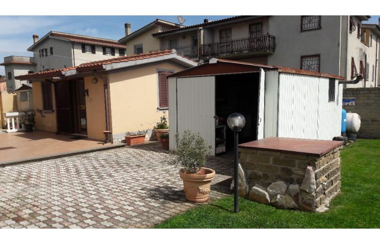 Privato vende appartamento appartamento con dependance for Camera letto 3x4