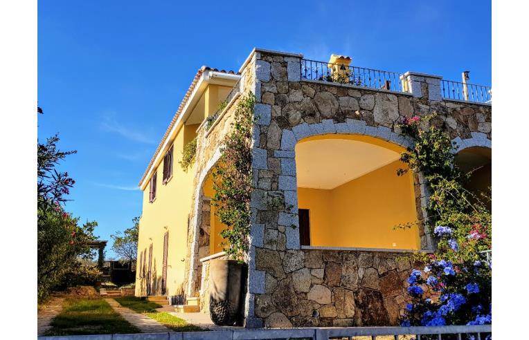 Privato affitta appartamento vacanze trilocale con giardino in villa vista mare 200mt dal - Casa vacanza con giardino privato liguria ...