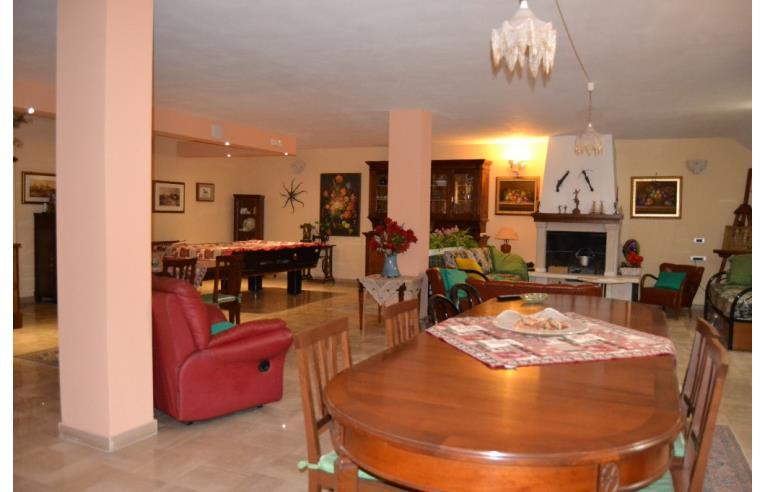 Privato affitta appartamento tavernetta di nuova for Appartamento in affitto arredato bari