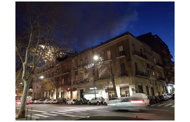 Privato affitta appartamento appartamento 5 vani catania for Appartamenti arredati in affitto a catania