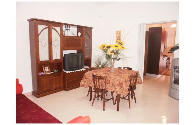 Privato affitta appartamento vacanze appartamento lucia annunci tricase lecce - Televisione in camera da letto si o no ...