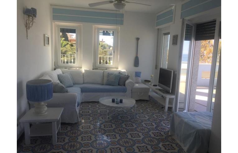 Privato affitta appartamento vacanze appartamento a for Affitto appartamento arredato imperia