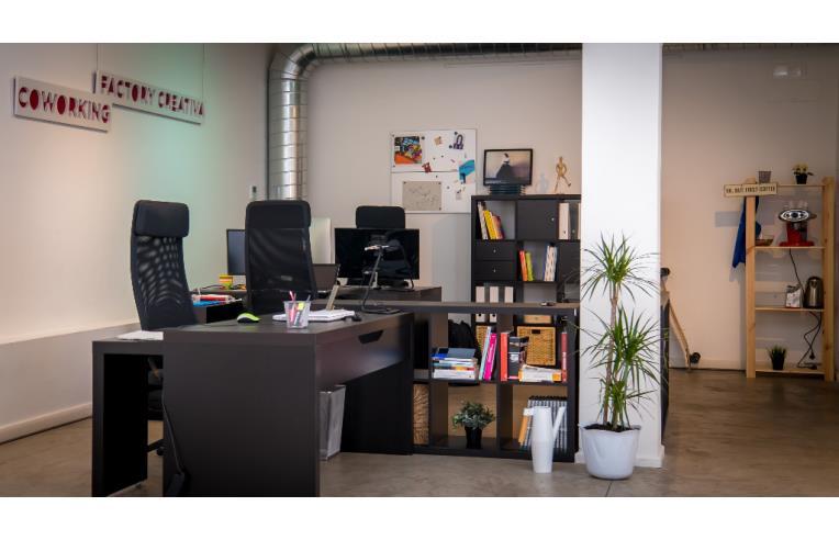 Privato affitta ufficio ufficio coworking prati annunci for Ufficio prati roma