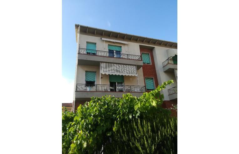 Privato affitta appartamento vacanze trilocale arredato for Case livorno affitto