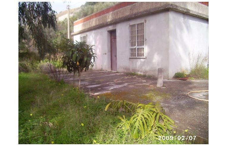 Privato Vende Casa indipendente, Vendesi villetta con 160 ...