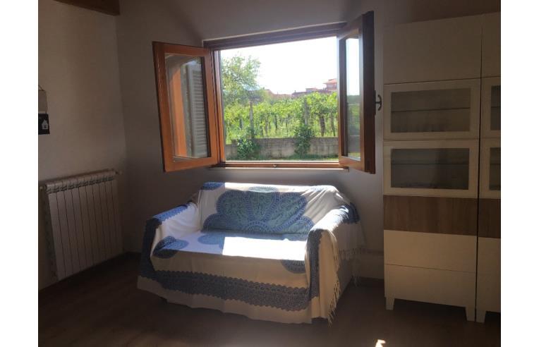 Privato affitta loft open space monolocale in villetta for Loft affitto roma