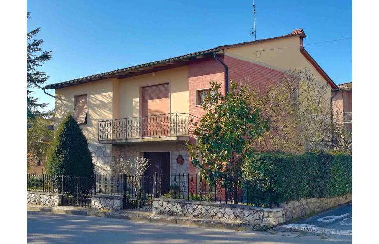 Foto 1 - Casa indipendente in Vendita da Privato - Montalcino, Frazione Torrenieri