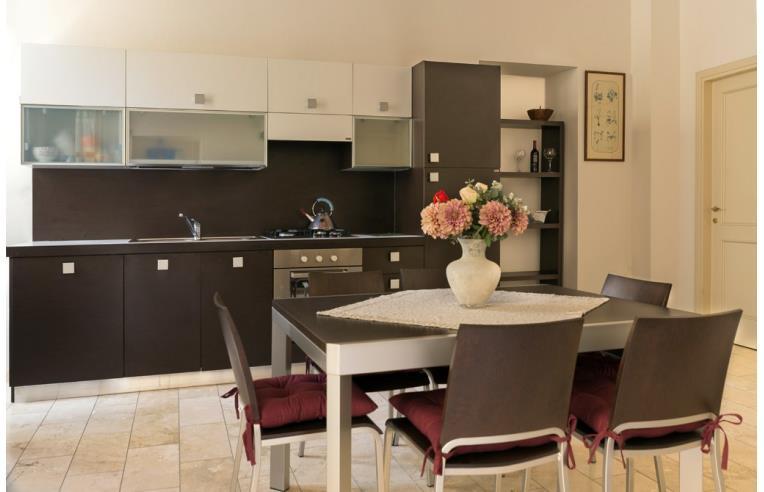 Privato affitta appartamento trivano nuovo centro storico for Appartamenti arredati in affitto cagliari